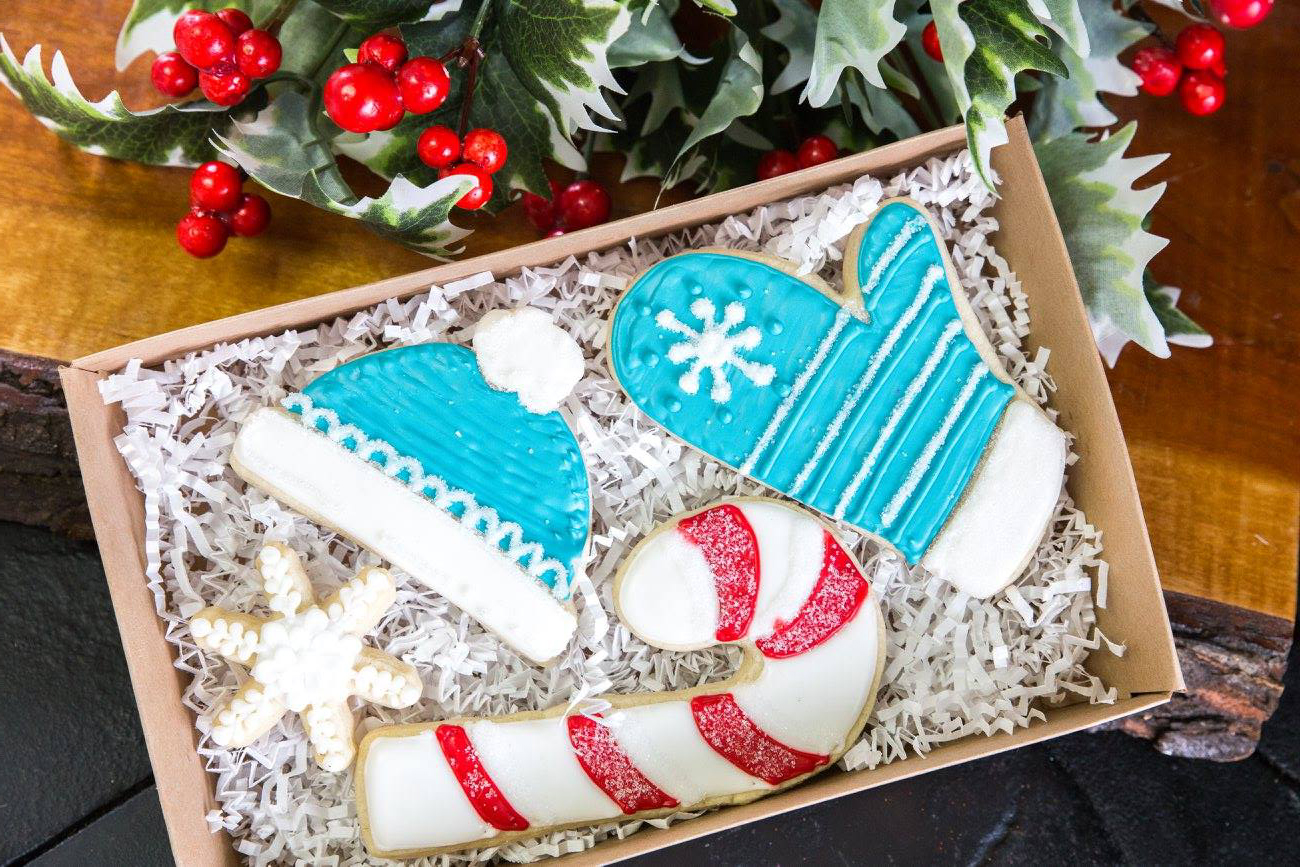 Blue Owl Bakery Decorated Christmas Cookies5-landscape
