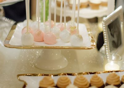 Wedding-Blush-Pink-Gold-Cake-Pops